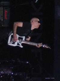 Joe Satriani Shreddin' @ The Joint !