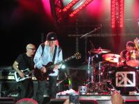 Brad Whitford Jams with Chickenfoot