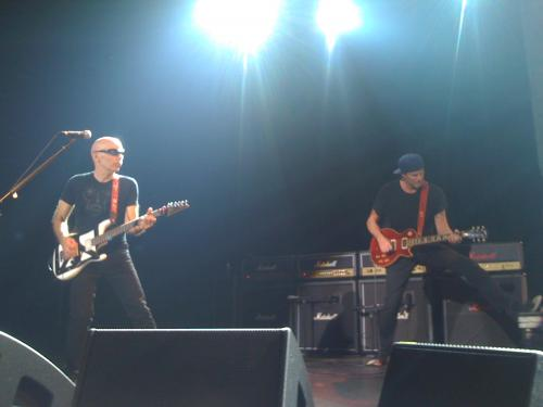 Check this out...Joe and Mr. Chad Smith on guitar. That was pretty awesome!