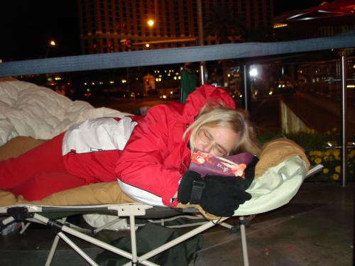 Sleeping On The Strip In Vegas To See Sammy-36 degrees out.